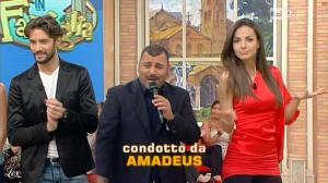Laura Barriales dans Mezzogiorno in Famiglia - 29/04/12 - 02