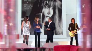 Héléna Noguerra dans Vivement Dimanche - 29/09/13 - 28