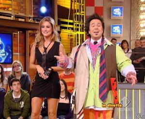 Lola Ponce dans Mai Dire Grande Fratello Show - 03/03/09 - 04