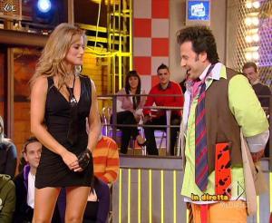 Lola Ponce dans Mai Dire Grande Fratello Show - 03/03/09 - 05
