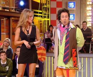 Lola Ponce dans Mai Dire Grande Fratello Show - 03/03/09 - 09