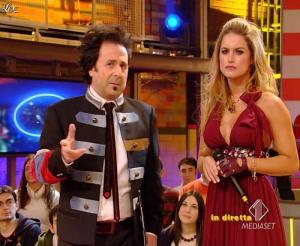 Lola Ponce dans Mai Dire Grande Fratello Show - 03/03/09 - 13