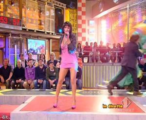 Lola Ponce dans Mai Dire Grande Fratello Show - 03/03/09 - 16