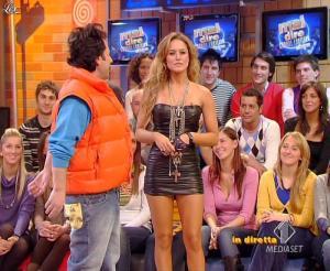 Lola Ponce dans Mai Dire Grande Fratello Show - 10/03/09 - 07