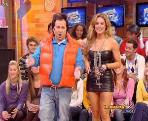 Lola Ponce dans Mai Dire Grande Fratello Show - 10/03/09 - 08