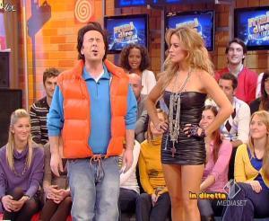 Lola Ponce dans Mai Dire Grande Fratello Show - 10/03/09 - 09