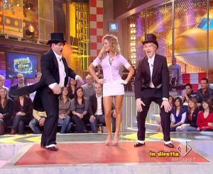 Lola Ponce dans Mai Dire Grande Fratello Show - 10/03/09 - 10