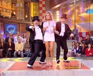 Lola Ponce dans Mai Dire Grande Fratello Show - 10/03/09 - 11