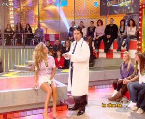 Lola Ponce dans Mai Dire Grande Fratello Show - 10/03/09 - 13