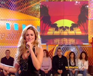 Lola Ponce dans Mai Dire Grande Fratello Show - 10/03/09 - 16