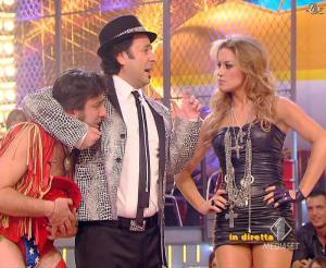 Lola Ponce dans Mai Dire Grande Fratello Show - 10/03/09 - 19