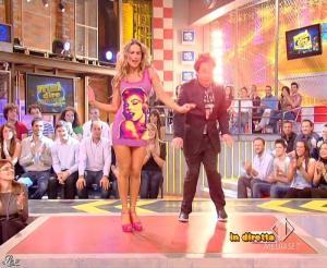 Lola Ponce dans Mai Dire Grande Fratello Show - 14/04/09 - 01