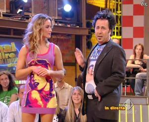 Lola Ponce dans Mai Dire Grande Fratello Show - 14/04/09 - 02