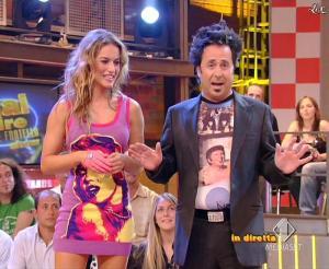 Lola Ponce dans Mai Dire Grande Fratello Show - 14/04/09 - 03