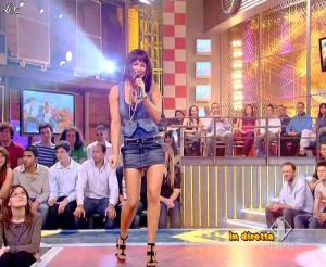Lola Ponce dans Mai Dire Grande Fratello Show - 14/04/09 - 15