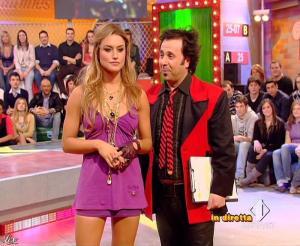 Lola Ponce dans Mai Dire Grande Fratello Show - 17/03/09 - 08