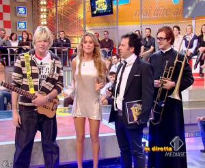 Lola Ponce dans Mai Dire Grande Fratello Show - 21/04/09 - 03