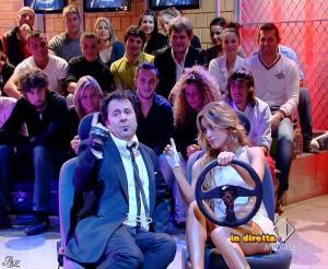 Lola Ponce dans Mai Dire Grande Fratello Show - 21/04/09 - 04