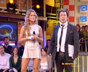 Lola Ponce dans Mai Dire Grande Fratello Show - 21/04/09 - 09