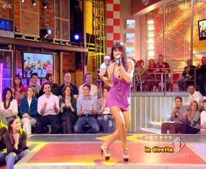 Lola Ponce dans Mai Dire Grande Fratello Show - 21/04/09 - 11