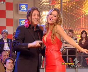 Lola Ponce dans Mai Dire Grande Fratello Show - 28/04/09 - 06