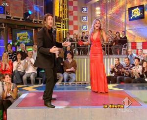 Lola Ponce dans Mai Dire Grande Fratello Show - 28/04/09 - 07