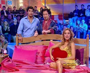 Lola Ponce dans Mai Dire Grande Fratello Show - 28/04/09 - 08