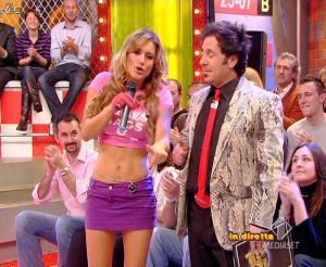 Lola Ponce dans Mai Dire Grande Fratello Show - 28/04/09 - 12