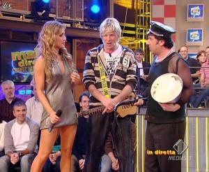 Lola Ponce dans Mai Dire Grande Fratello Show - 28/04/09 - 15