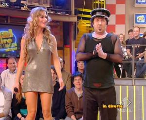 Lola Ponce dans Mai Dire Grande Fratello Show - 28/04/09 - 16