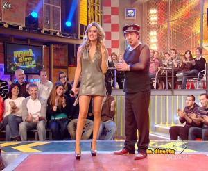 Lola Ponce dans Mai Dire Grande Fratello Show - 28/04/09 - 17