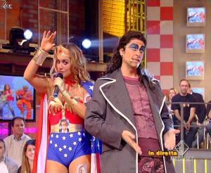 Lola-Ponce--Mai-Dire-Grande-Fratello-Show--28-04-09--20