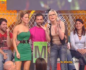 Lola Ponce dans Mai Dire Grande Fratello Show - 31/03/09 - 03