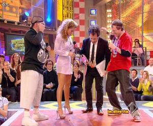 Lola Ponce dans Mai Dire Grande Fratello Show - 31/03/09 - 07