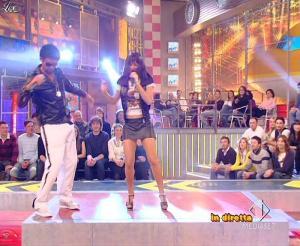 Lola Ponce dans Mai Dire Grande Fratello Show - 31/03/09 - 12
