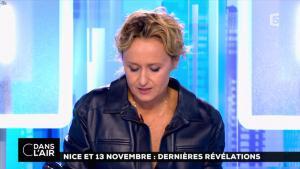 Caroline Roux dans C dans l'Air - 06/10/16 - 02
