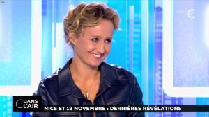Caroline Roux dans C dans l'Air - 06/10/16 - 15