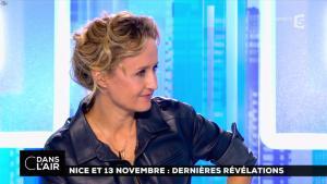 Caroline Roux dans C dans l'Air - 06/10/16 - 16
