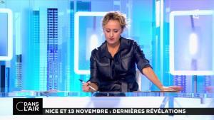 Caroline Roux dans C dans l'Air - 06/10/16 - 22