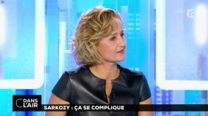 Caroline Roux dans C dans l'Air - 10/10/16 - 05