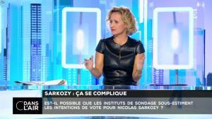 Caroline Roux dans C dans l'Air - 10/10/16 - 34