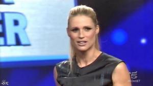 Michelle Hunziker dans une Bande-Annonce de Striscia la Notizia - 26/09/15 - 01