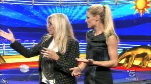 Michelle Hunziker dans une Bande-Annonce de Striscia la Notizia - 26/09/15 - 02
