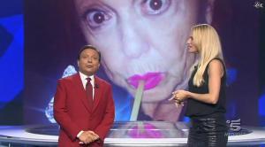Michelle Hunziker dans Striscia la Notizia - 04/10/14 - 05