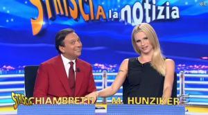 Michelle Hunziker dans Striscia la Notizia - 04/10/14 - 06