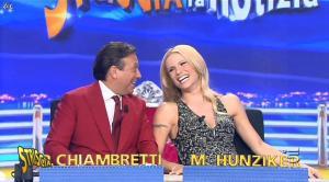 Michelle Hunziker dans Striscia la Notizia - 06/10/14 - 02