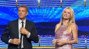 Michelle Hunziker dans Striscia la Notizia - 23/10/14 - 01