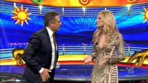 Michelle Hunziker dans Striscia la Notizia - 25/01/16 - 01