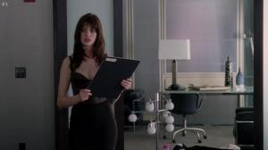 Anne Hathaway dans le Diable s habille en Prada - 04/12/11 - 06