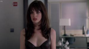 Anne Hathaway dans le Diable s habille en Prada - 04/12/11 - 07